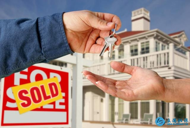 房产中介套路深:二手房不好卖,仍赚取业主和买家两头的钱